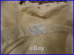 Glam Vtg 1950s NEW Open Bottom Rubber Cincher Girdle with Hosiery Garters S 25/26