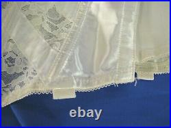 SEARS White Lace Trim CORSET GIRDLE OPEN BOTTOM withGarter Tabs VINTAGE sz 28