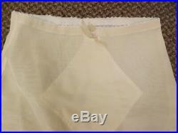 Sexy Pin Up Vtg 60s NEW Ivory Diamond Panel Open Bottom Garters Girdle M 27/28