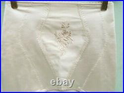 St Michael Open Bottom 6 Strap Girdle (light beige) Size 29/30 Excellent