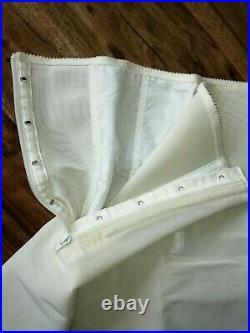 UNUSED Vintage BERLEI GAY SLANT Open Bottom Control Girdle STYLE 762 FIRM