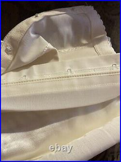 Vintage 1950s-1960s Girdle Open Bottom Garters Ivory Side Zip Size 34 L/XL EVC