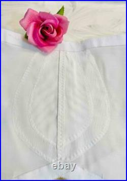 Vintage FLEXEES PinUp WHITE SHAPER GIRDLE New Old Stock OPEN BOTTOM 6 GARTERS XL