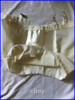 Vintage LANE BRYANT GIRDLE Shapewear Open Bottom with Four Garters Size 40 Zip