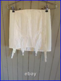 Vintage wht Rengo / Crown open Bottom girdle withgarters & hook & eye closer sz 28
