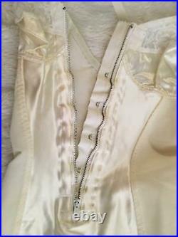 Vtg SATIN PANELS CORSELETTE Garters Open Bottom Girdle 34B Small Lace ZIPPER